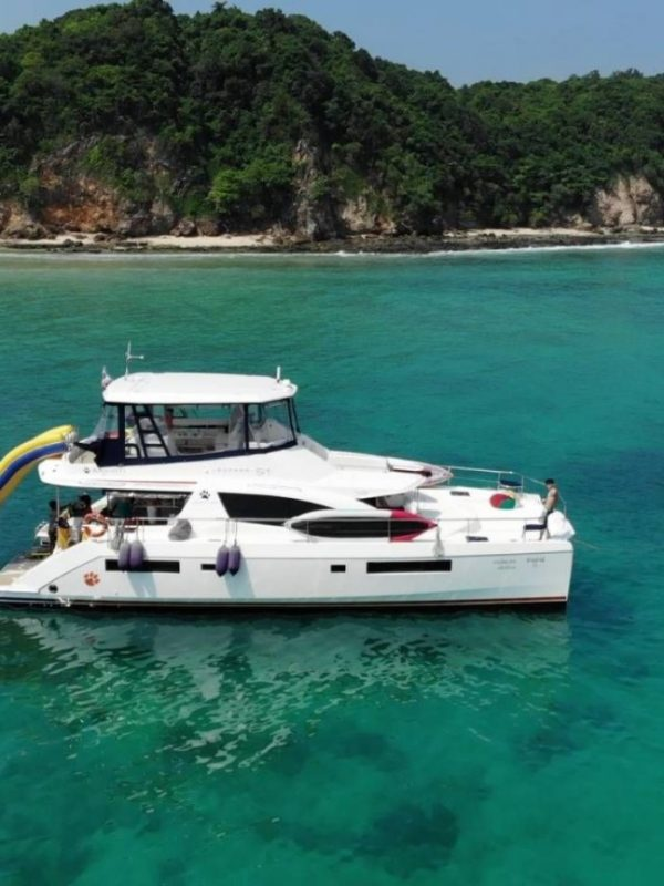 Sanyati-phuket-thailand-boat