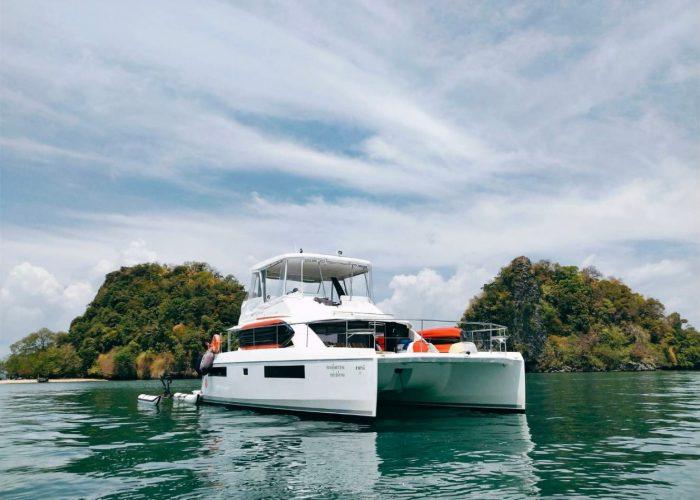 Shasansi-Phuket-thailand-boat