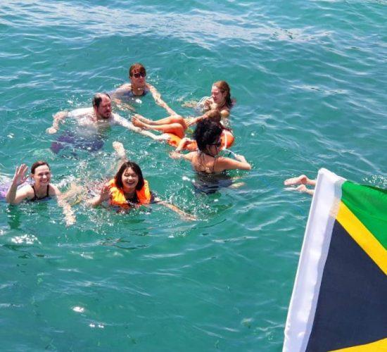 people8-Phuket-boat-tours-